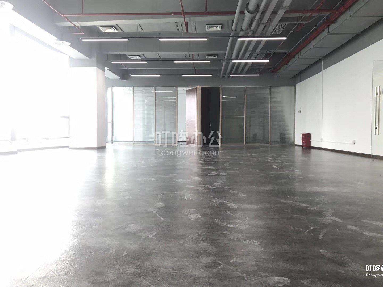 大型办公室 中设广场