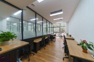 小型办公室 Bee+深圳G&G创意空间