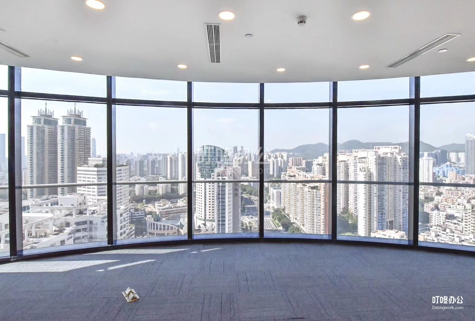 超大型办公室 宝通大厦