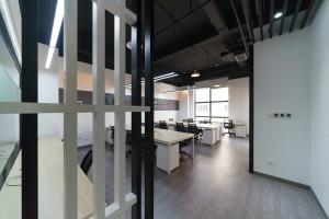 小型办公室 智造孵化器空间