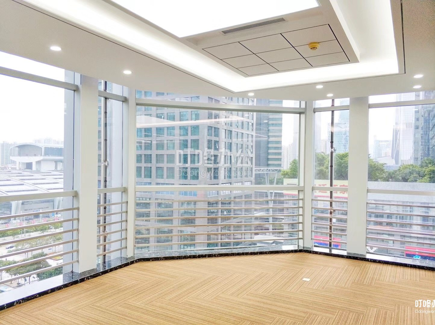大型办公室 现代国际大厦
