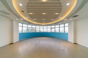 大型办公室 蓝马创业 · 蓝马智造园站