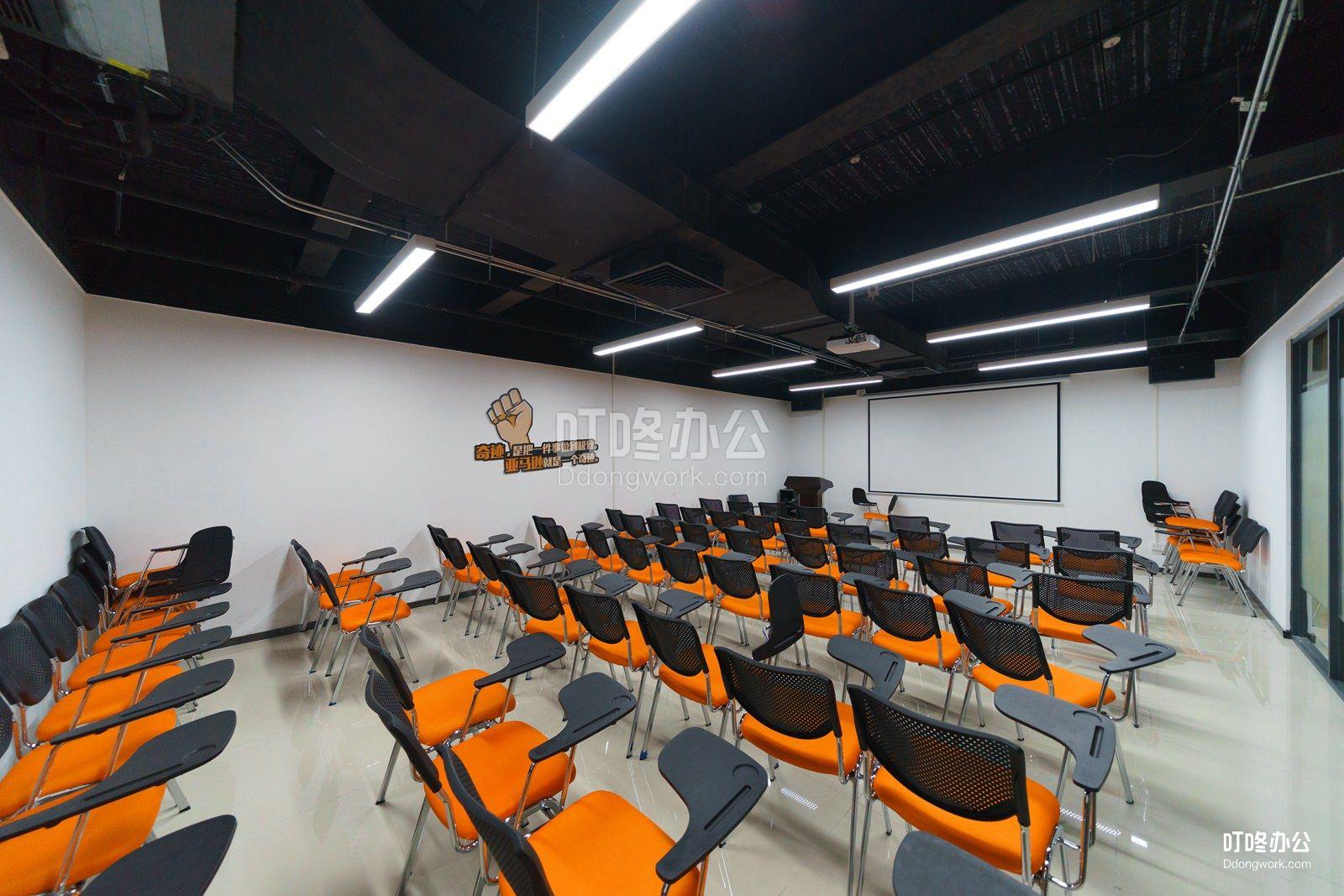 华强北国际创客中心「2.0」走廊