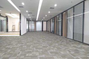 中型办公室 留学生创业大厦